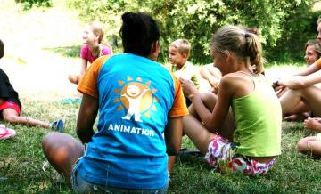Kindvriendelijk kamperen met Nederlandstalige animatie