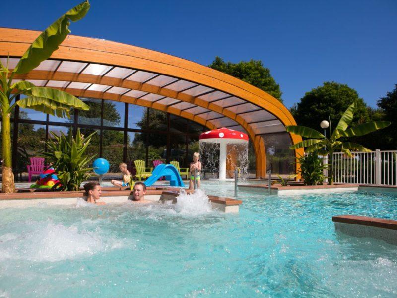 Relaxen in het zwembad bij Coin Tranquile - Kids-Campings
