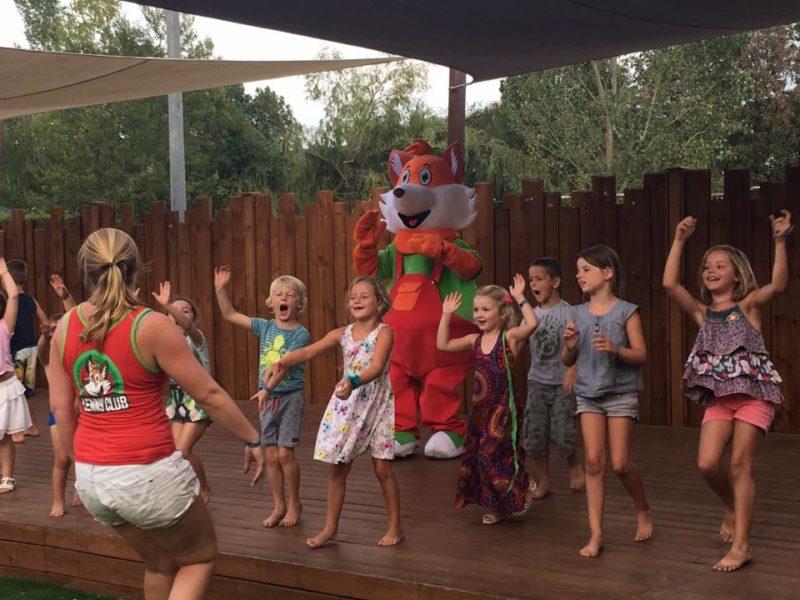 Lenny Club - Team4Animation - dansen met kids