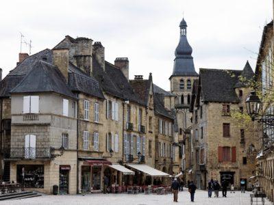 Sarlat en Dordogne: autovrije stad!