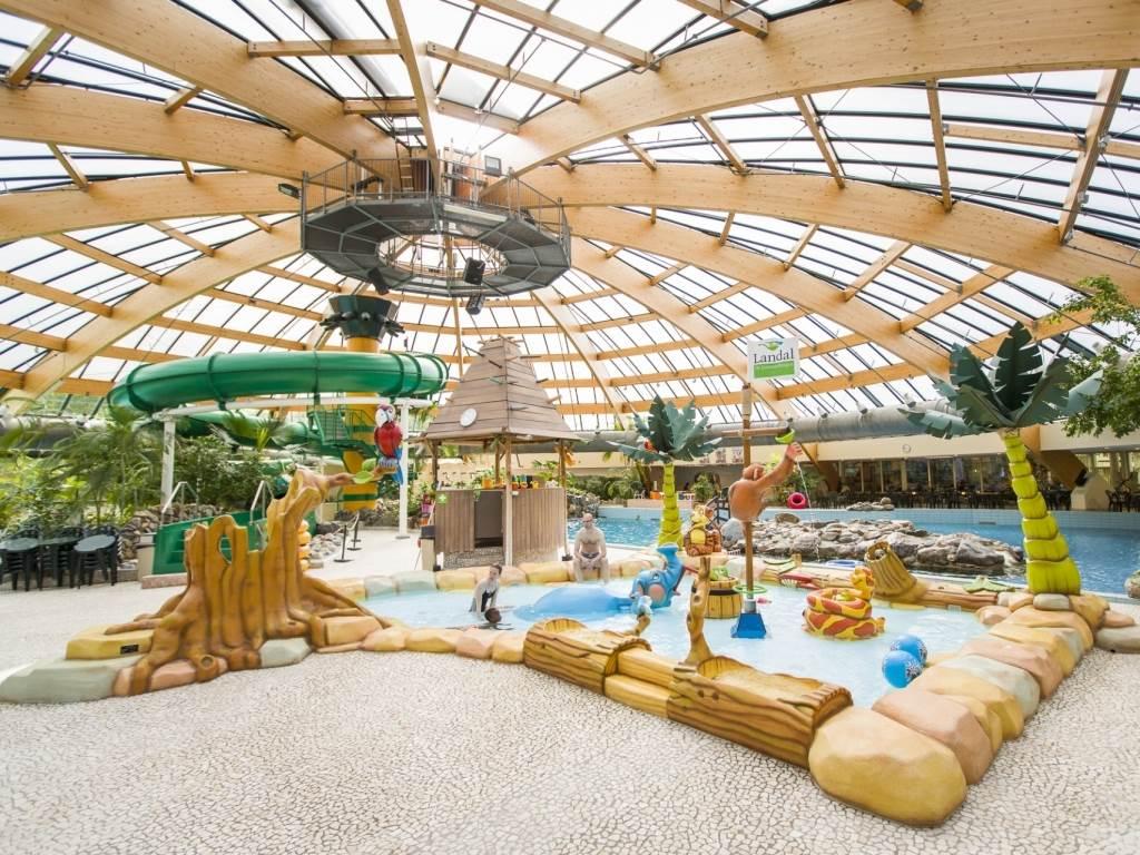 De Lommerbergen - kids-campings - Het subtropische zwembad