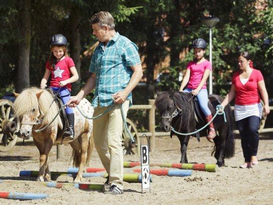 Landal - Het Land van Bartje - Pony rijden