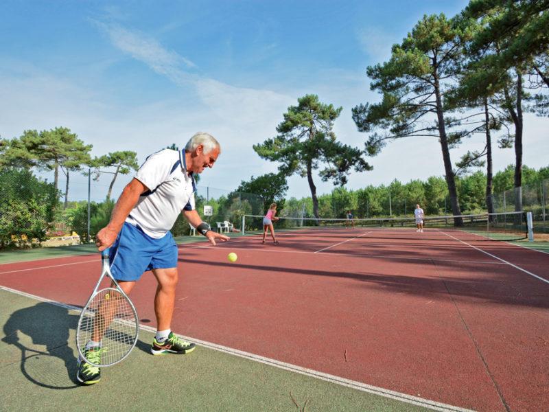 Camping Eurosol tennisbaan