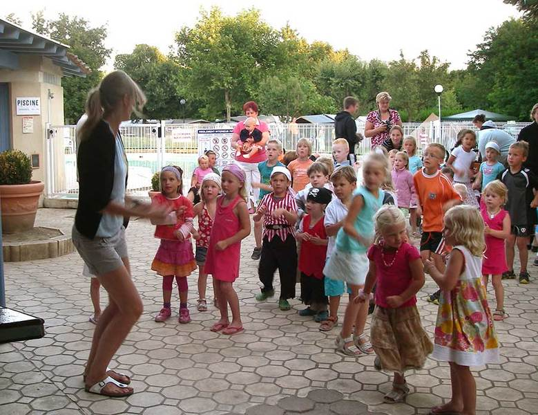 Dansen in de mini-disco op Les Clorinthes