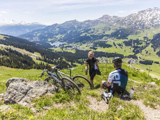 Alpine Lodge Lenzerheide - kids-campings - eropuit in de omgeving
