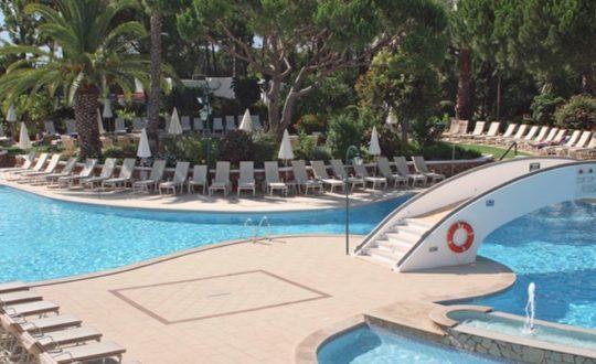 Resort Four Seasons Country Club - Kids-Campings.com