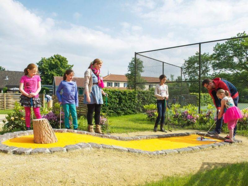 Duc de Brabant - kids-campings - midgetgolf baan