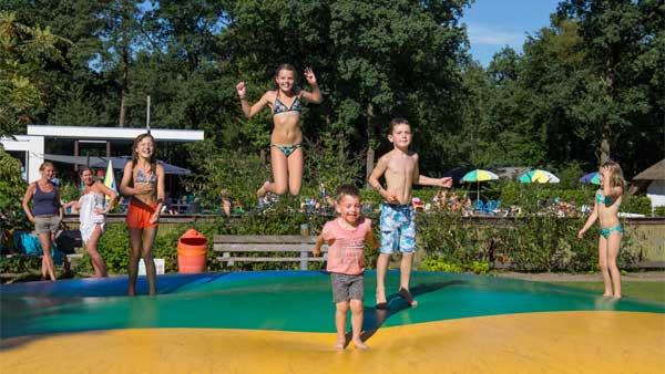 De Leemkule - kids-campings - airtrampoline