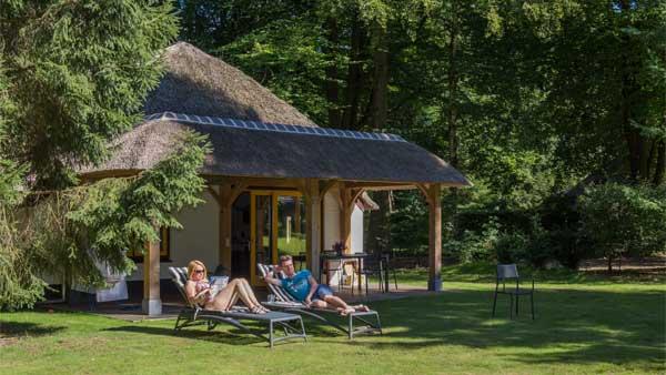 De Leemkule - kids-campings - bungalow in het bos