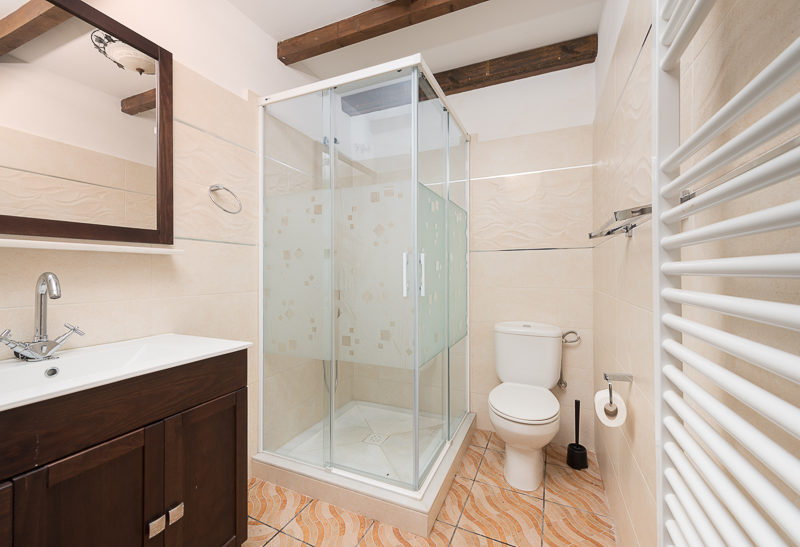 La Granja de Antonio - kids-campings - badkamer van het vakantiehuis