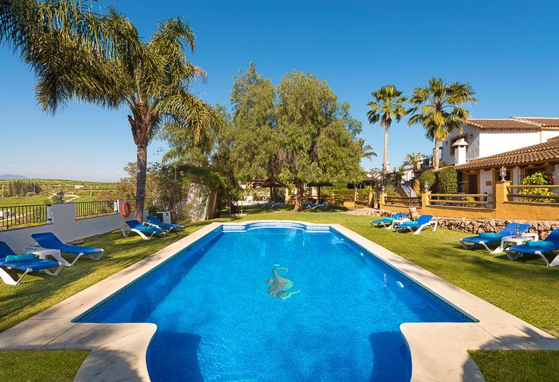 La Granja de Antonio - kids-campings - zwembad op het park