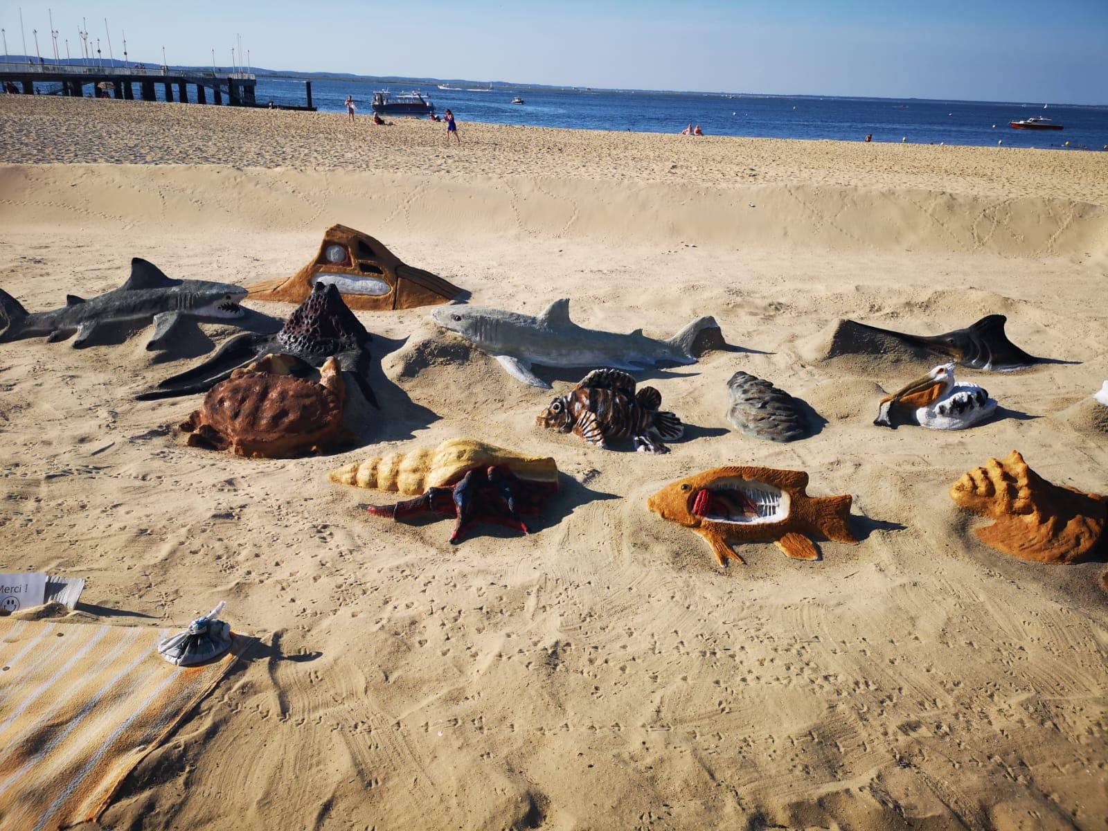 Zandsculpturen op het strand in Frankrijk - Domaine de Soulac - kindvriendelijk kamperen