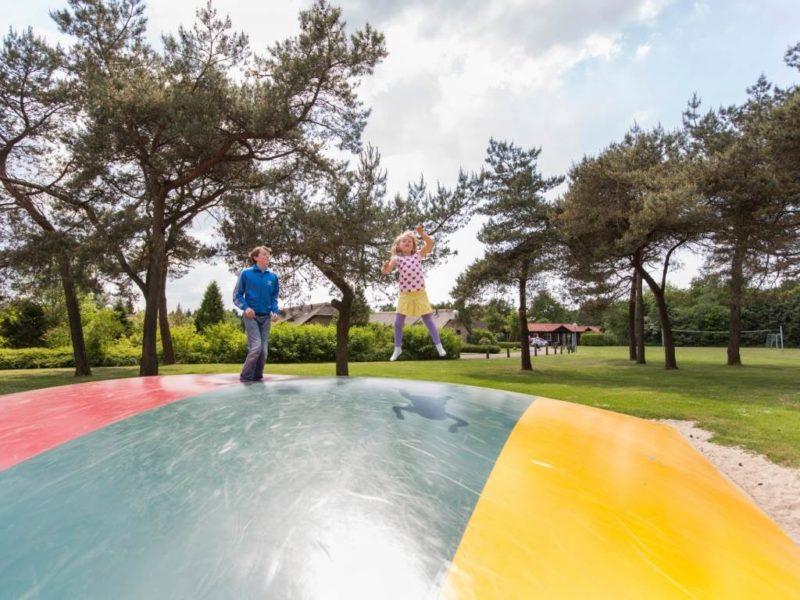 De Veluwse Hoevegaerde airtrampoline Kids-Campings