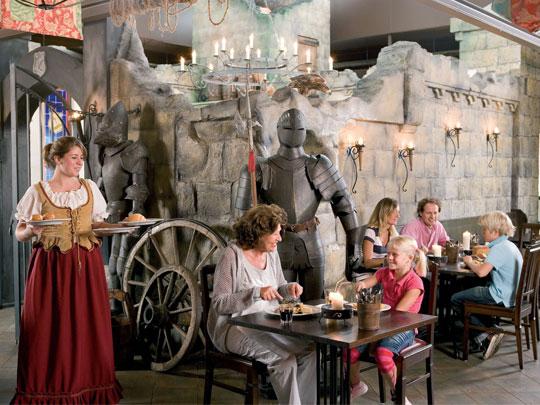 't Loo - kids-campings - dineren in het themarestaurant