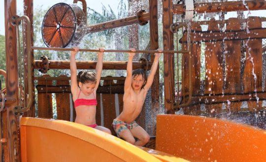 Met de kids op pad? Tips voor een vlekkeloze vakantie!