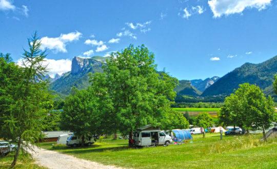 Kamperen tussen de bergen bij Champ la Chèvre