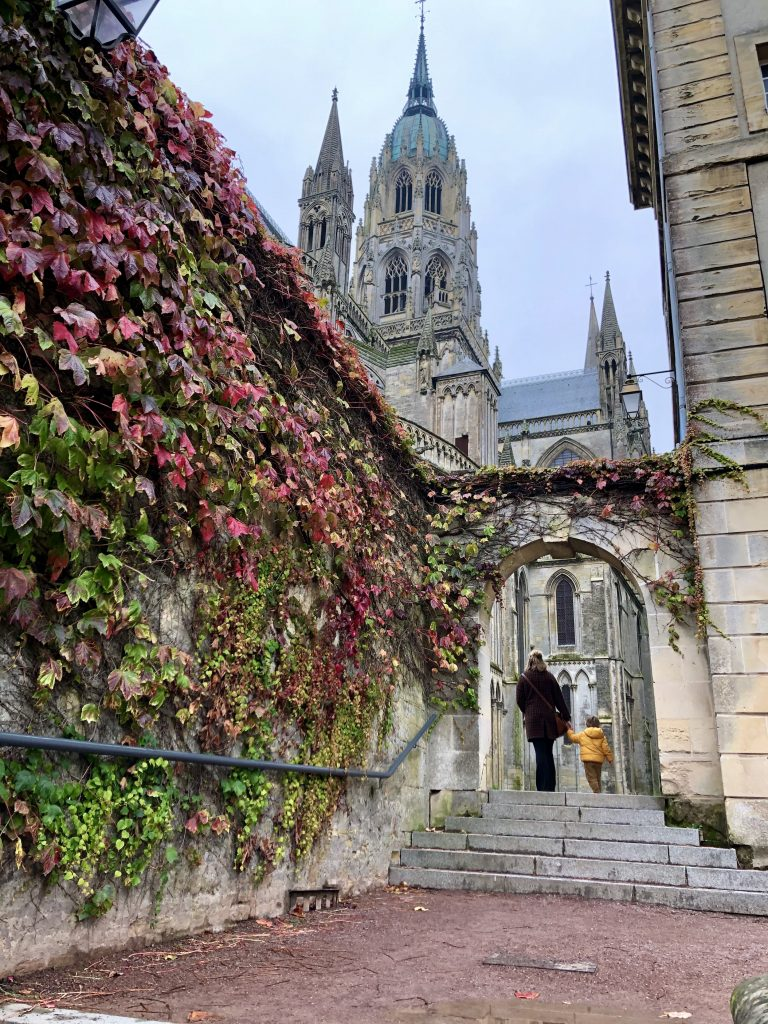kathedraal bayeux herfst