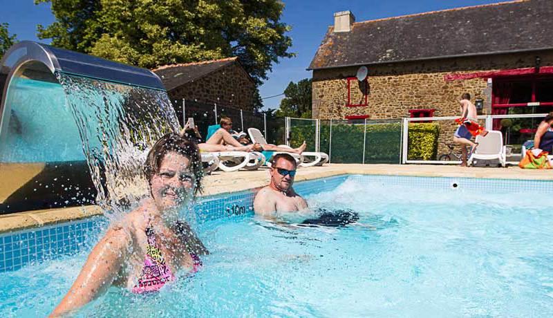 Zwembad Domaine du Logis via Kids-Campings.com