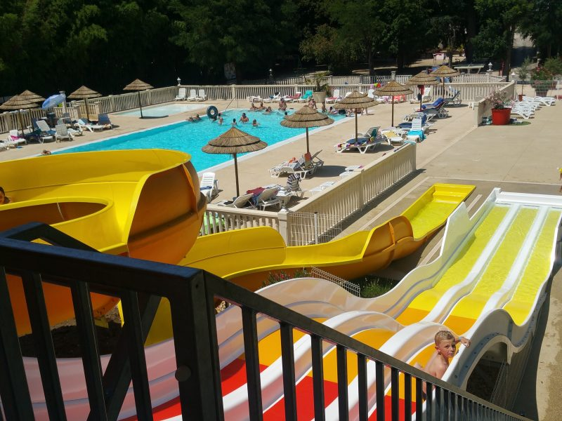 Glijbanen zwembad - Domaine Arleblanc