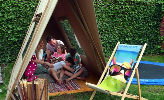 Thuiskamperen: op vakantie in je eigen achtertuin met animatie voor de kids!