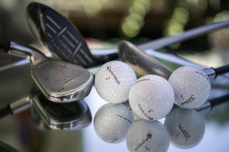 Mini golf Cristina Anne Costello