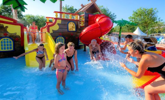 Vakantiepark De Zeumersehof - Kids-Campings.com